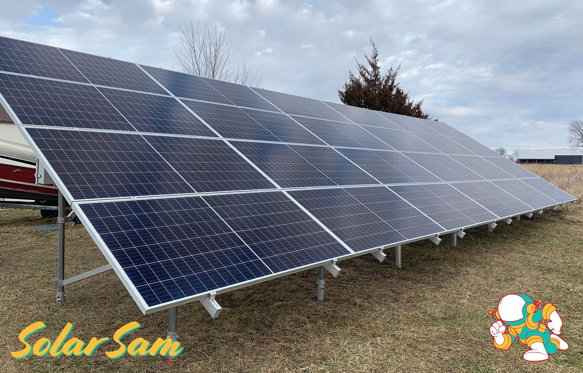 Boone Lee 5 Centralia MO Solar Panels Residential Home Installation by Solar Sam Professional Solar Panel Installers Monocrystalline Enphase Microinverters Sunmodo Ground Mount
